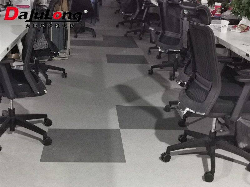 大巨龙片材地板