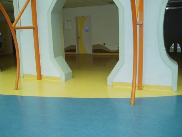 大巨龙pvc塑胶地板幼儿园地板工程实例