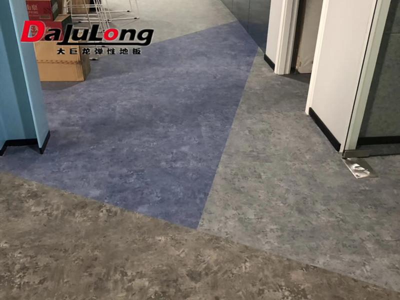 pvc地板施工价格多少钱一平方?